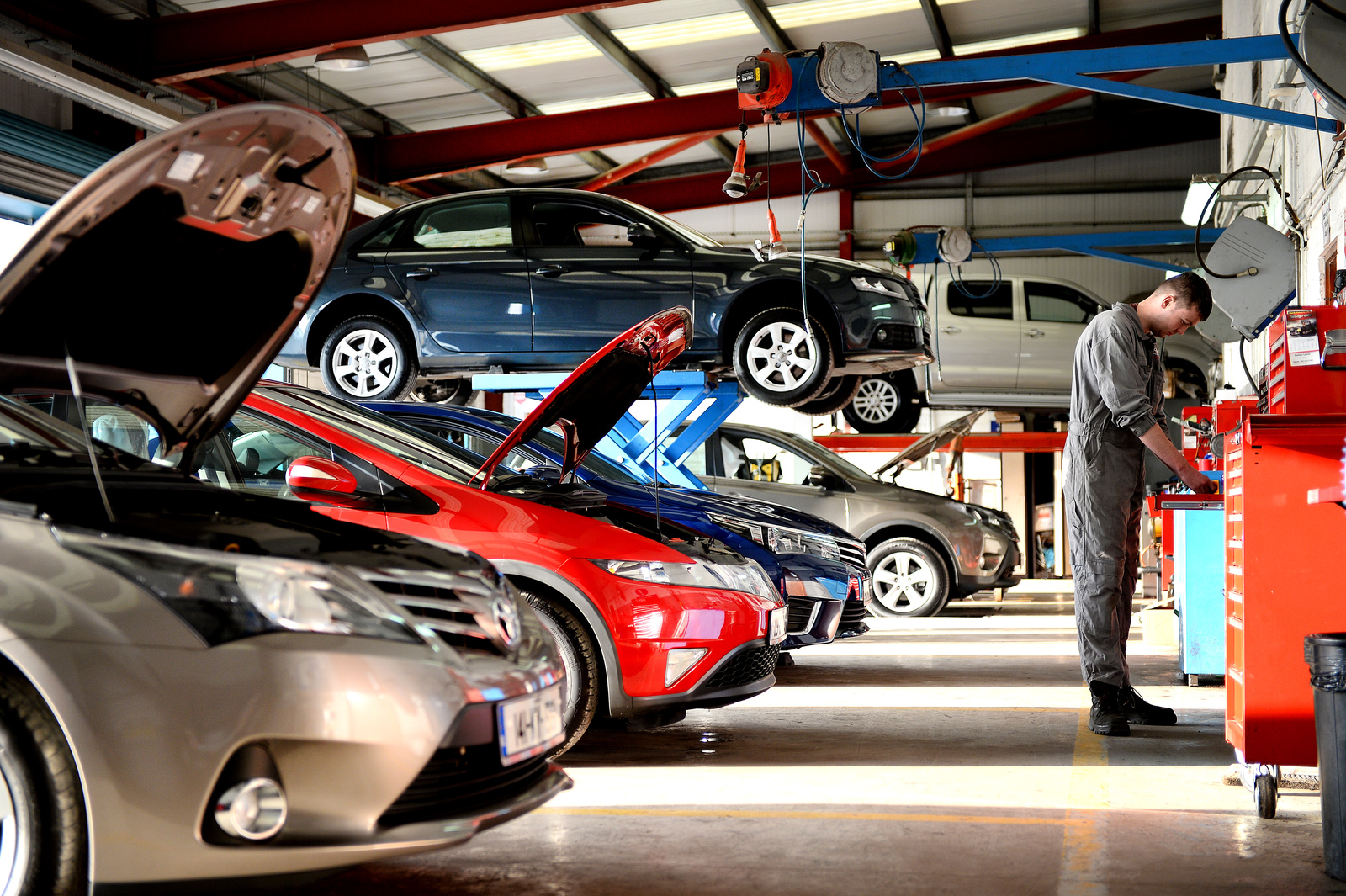 Take Your Defective Car To The Right Service Centre