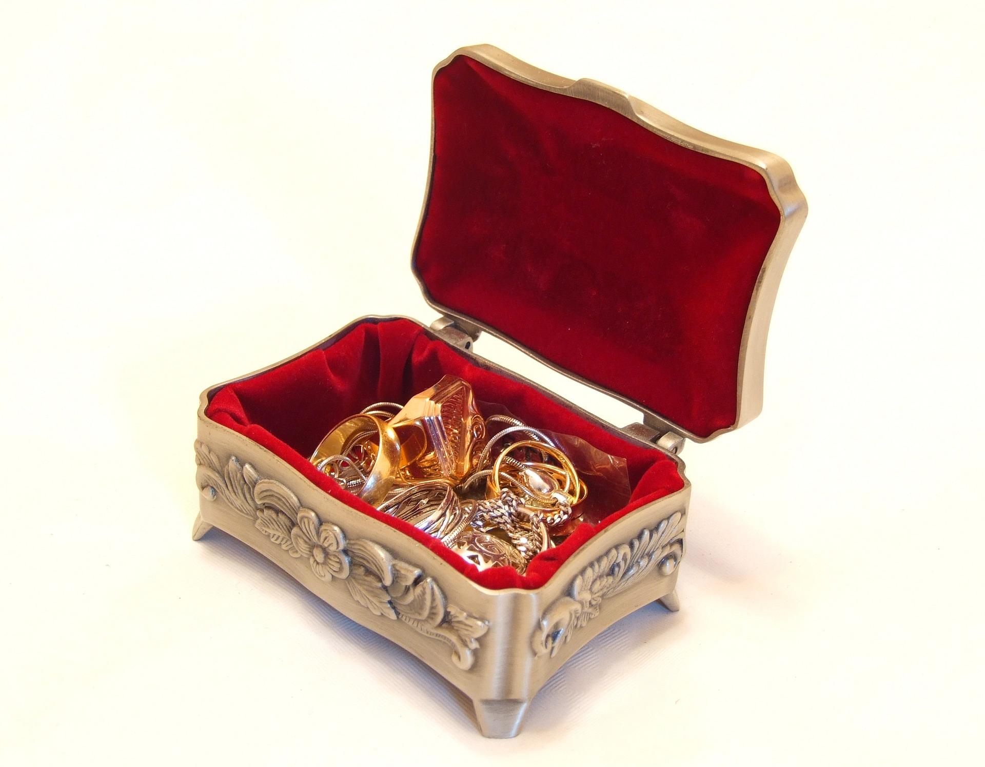 5cc646f97ef12 Tips On Selling Scrap Gold - Allison Peter