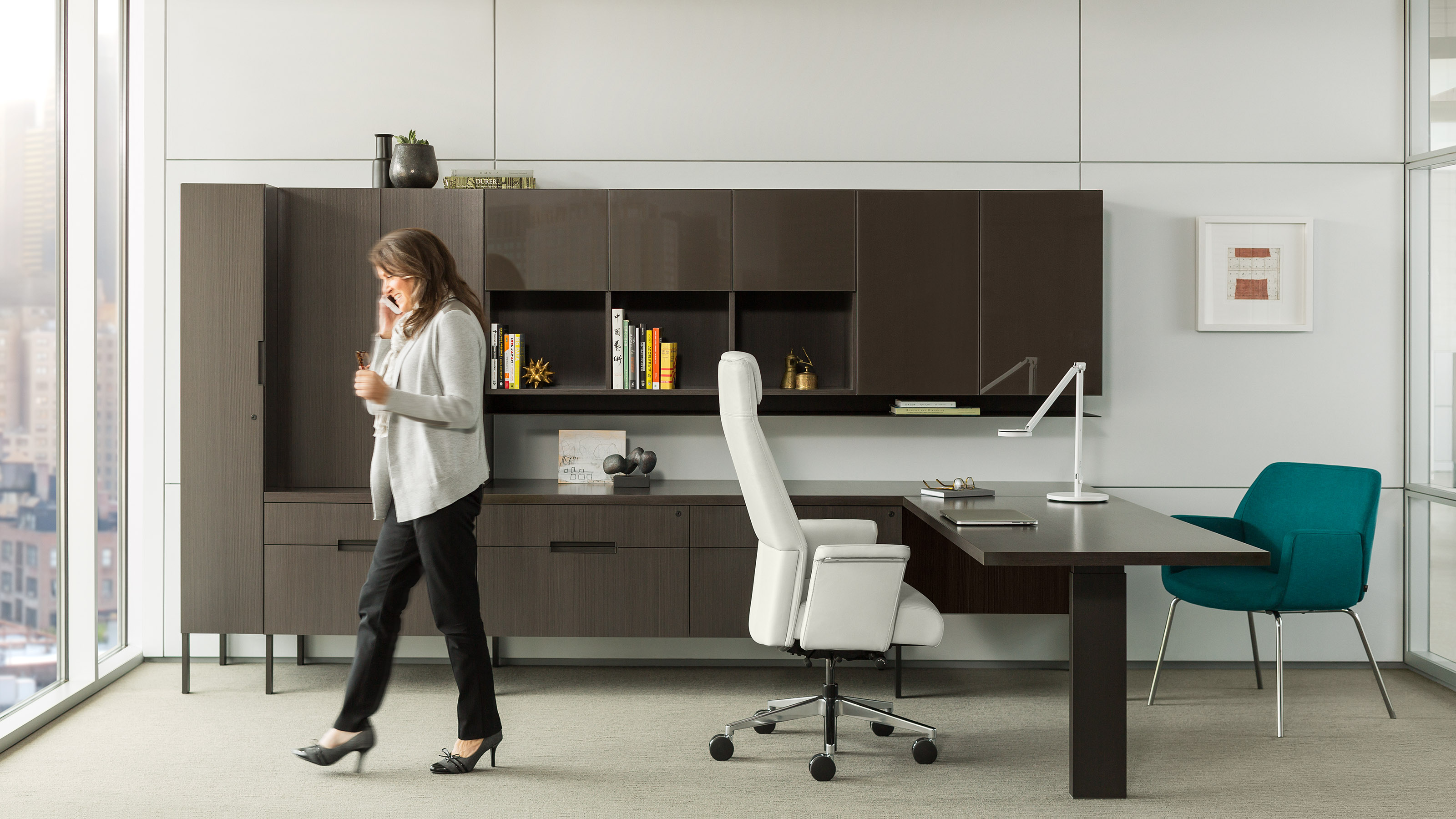 Handy Tips For Contemporary And Useful Office Furnishings